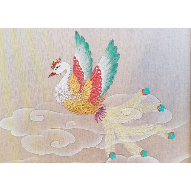 優雅に飛び舞う姿世界にはカラフルな鳥がいるみたいなのでこんな鳥がいてもおかしくないかも知れません!#鳳凰#phoenix#一隅を照らす#照terasu @sa10ca.k http://terasu-seiho.com/#彫刻#sculpture#日本画#japanesepainting#截金#kirikane#cutgoldleafing#伝統#traditional#仏教美術#buddhistart#family#japan#japanesestories#art_we_inspire#芸術#美術
